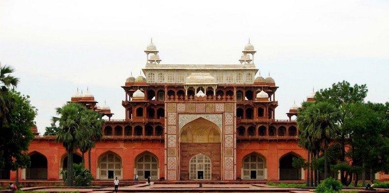 IMAGE3 Agra_Akbars_Tomb_Main (1)